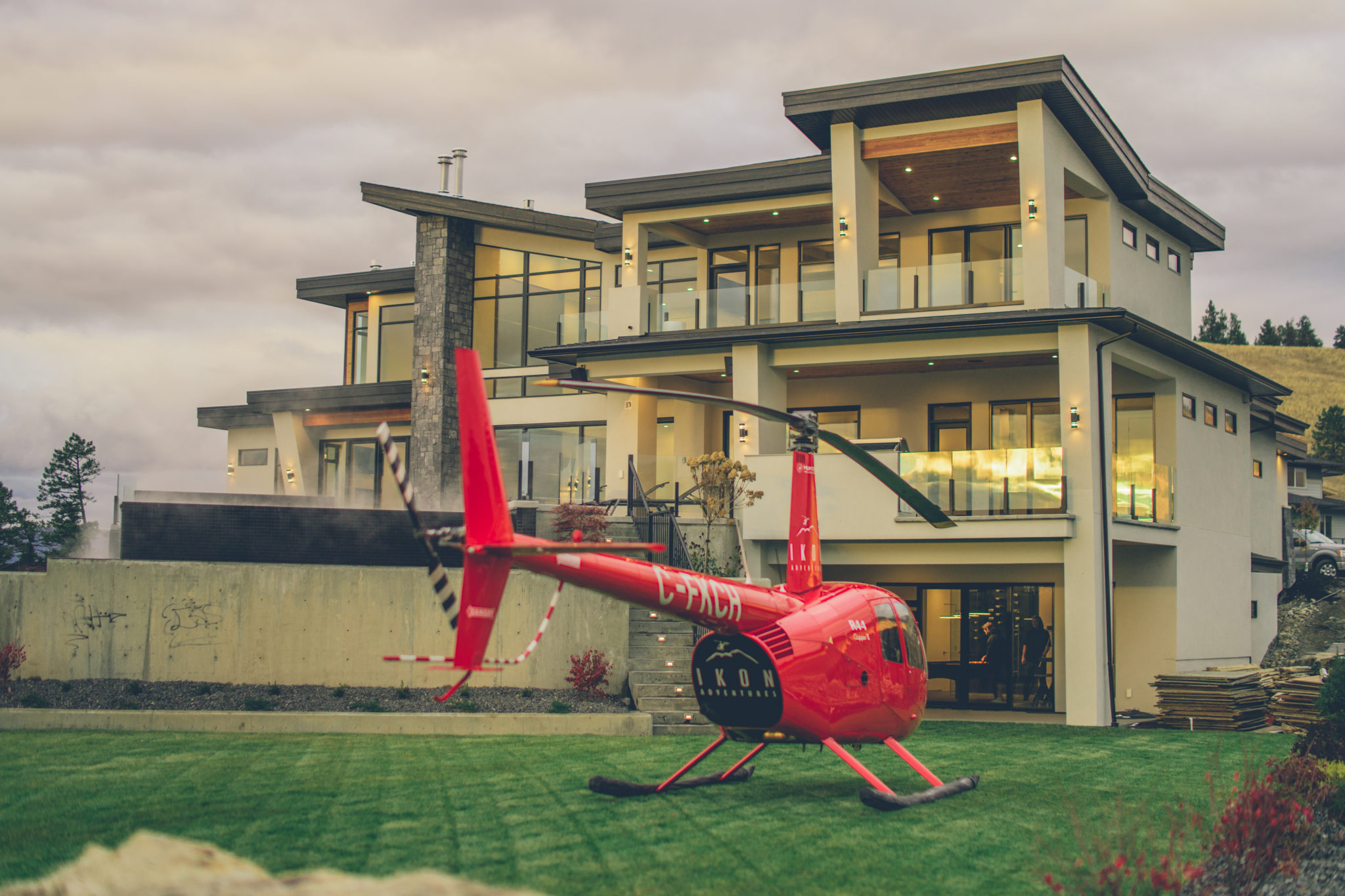 Helicopter Services - Okangan BC | Ikon Adventures